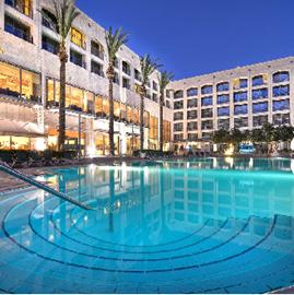 מלון גולדן קראון - בריכה - Golden Crown Hotel - Pool