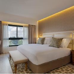 חדר עם מיטה זוגית במלון יערים - Room with double bed at Ya'arim Hotel