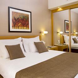 חדר השינה במלון רויאל גארדן אילת - Bedroom at Royal Garden Eilat