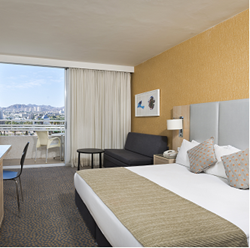 חדר השינה  במלון ישרוטל לגונה - Bedroom at Isrotel Laguna Hotel