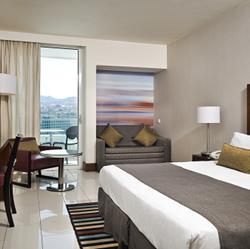 חדר השינה מלון המלך שלמה - Bedroom at King Solomon Hotel