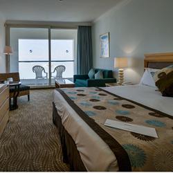 חדר השינה במלון ישרוטל ים המלח - Bedroom at Isrotel Dead Sea Hotel