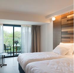 מלון שפיים - חדר שינה - Shefayim Hotel - Bedroom