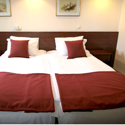 מלון מרגוע רחובות - חדר שינה - Margoa Rehovot Hotel - Bedroom