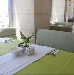 חדר האוכל במלון בלו וויס - Dining Room at Blue Weiss Hotel
