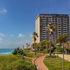 מלון העונות -חזית המלון - Seasons Hotel - Front