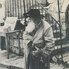 Foto de In The Footsteps Of The Righteous Rabbi Arieh Levin