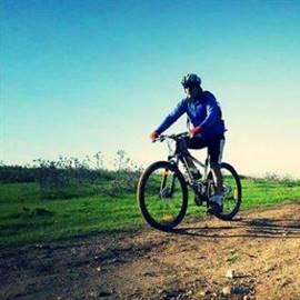 רוכב אופניים - Bicycle rider