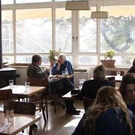 המסעדה - The Restaurant