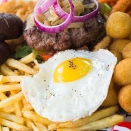 המבורגר עם ביצה - Hamburger with egg