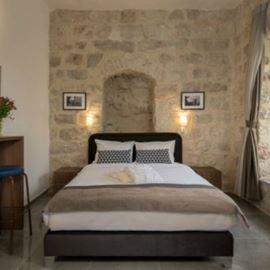 חדר במלון הכולל מיטה זוגית - Hotel Room Features Double bed