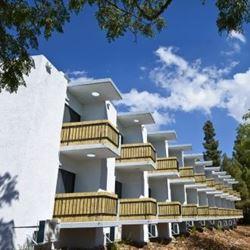 מלון ארצפת- מבט מבחוץ - Eretzefat Hotel - Outside view