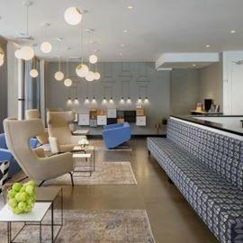 לובי המלון - the hotel lobby