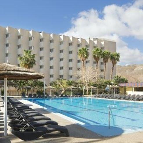 בריכת המלון - The hotel pool