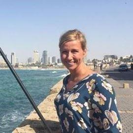 Foto de Andrea Kiewel dreht am Toten Meer und in Tel Aviv
