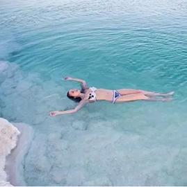 תמונה של 在以色列玩死海漂浮,玩的就是心跳~