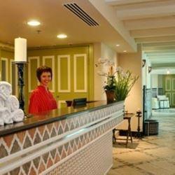 קבלה במלון - Hotel Reception