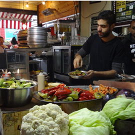 Picture of Shalom bei Falafel, Hummus, Malabi und Pita-Burger
