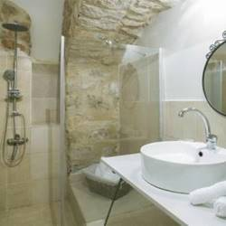 חדר שירותים - Bathroom