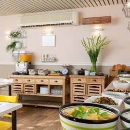 חדר האוכל במלון מטיילים מלכיה - Dining Room at Metaylim Malkiye Hotel