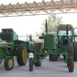 A tractor from the museum - טרקטור במוזאון