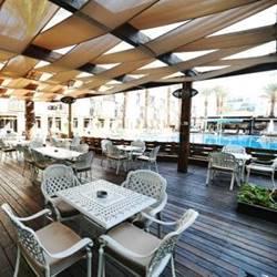מרפסת בריכה - Pool Balcony
