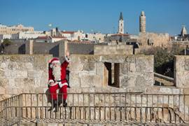 Santa Claus in Jerusalem 4
