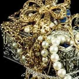jewels - תכשיטים