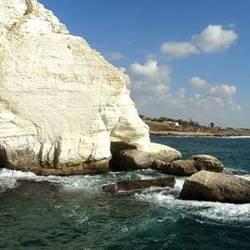 Rosh Hanikra cliff- צוק ראש הנקרה