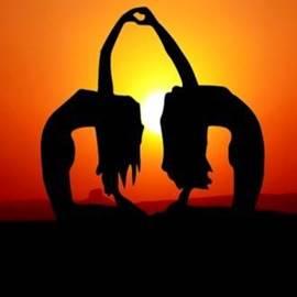 Yoga At Sunset - יוגה לאור שקיעה