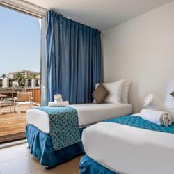 חדר שינה, מלון אסטרל פלמה -  Bedroom, Astral Palma Hotel