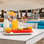 מלון אסטרל פלמה: מזון ומשקאות ליד הבריכה Astral Palma Hotel - Poolside Food And Drinks