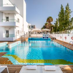 מלון אסטרל נירוונה: בריכה -  Hotel Astral Nirvana: Pool