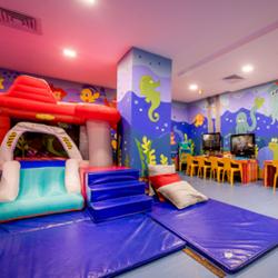 מלון אסטרל מאריס: משחקייה  -  Hotel Astral Maris: Kid's Playroom