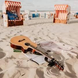 A Guitar In The Sand  - גיטרה בחול