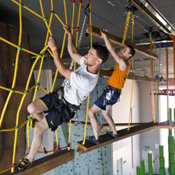 טיפוס בחבלים - Climbing Ropes