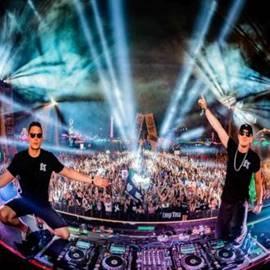תקליטנים בהופעה - DJs In A Concert