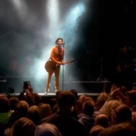 זמר רוק על הבמה - A Rock Musician On Stage