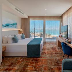 חדר במלון - Hotel Room
