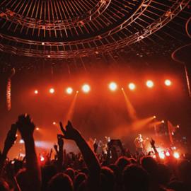 קהל במופע רוק - Audience At A Rock Concert