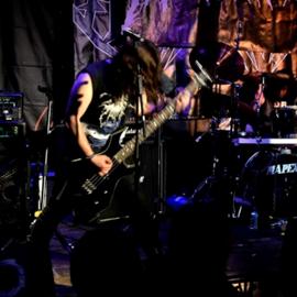 להקת רוק בהופעה - A Rock Band Performing