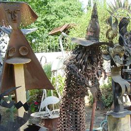 פסלים ממתכת - Iron Statues