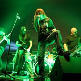 זמרי רוק על הבמה - Rock Singers Performing On Stage