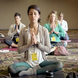 קבוצת נשים במדיטציה - A Group Of Women In Meditation