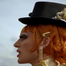 גבר מאופר בדראג, כאישה - Drag -  A Man With A Woman's Make Up
