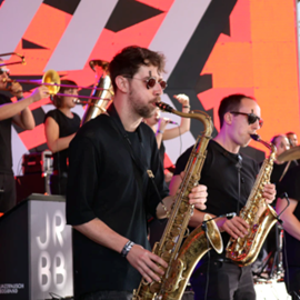נגני סקסופון במופע ג'אז - Saxophone Players At A Jazz Concert