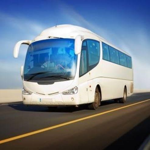 אוטובוס בכביש - A bus on the road