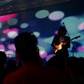 זמר רוק על הבמה - A Rock Singer On Stage