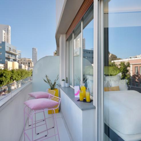 מרפסת במלון פוליהאוס - Poli House Hotel Balcony