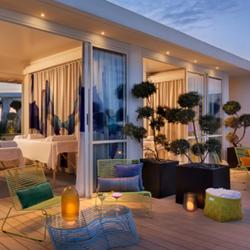 מקום ישיבה במלון פוליהאוס - Poli House Hotel sitting spot
